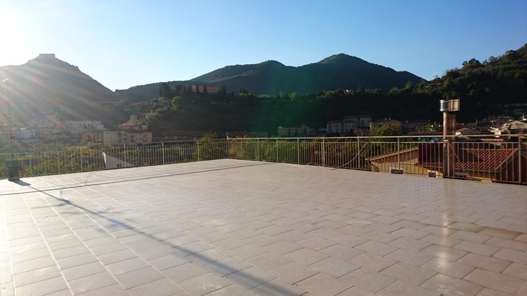 Giffoni Valle Piana, appartamento semindipendente 4 vani, mq 130 ca ...
